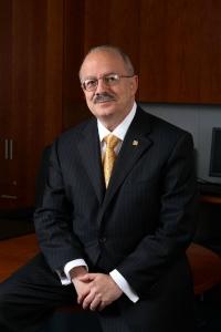 Dr. Eduardo J. Padrón, Presidente del Miami Dade College
