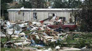 Al menos una persona murió y varias resultaron heridas por causa de una serie de tornados que azotaron el estado de Oklahoma, en Estados Unidos.