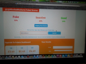 Foto tomada a Status People. Find out how many fake followers you and your friends have.