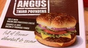 La hamburguesa Angus va a desaparecer, y podría no ser el único plato de McDonald's sobre la tabla de picar.