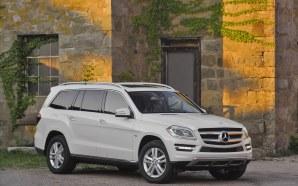 Mercedes-Benz-GL350-2013-widescreen-30