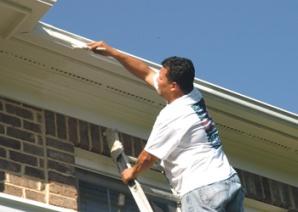 Nuevo reporte destaca la necesidad de mejorar seguridad en el trabajo para todos los trabajadores, especialmente trabajadores latinos inmigrante.