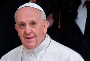 El papa dice que un buen cristiano no se lamenta y siempre esta alegre.