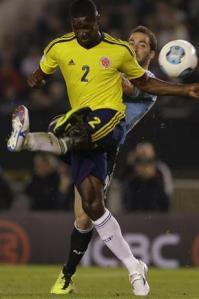 A los 26 minutos de la etapa inicial fueron expulsados Gonzalo Higuaín y Cristian Zapata.