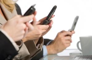 """""""Uno está conversando con alguien cuando de repente los ojos de esa persona descienden a su teléfono""""."""