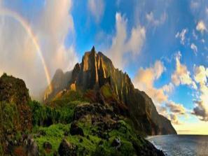 La robusta costa de Na Pali en Hawai ofrece una muralla frente al Pacífico y una olla de oro del turismo.