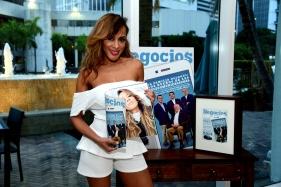 Marger en el lanzamiento de Negocios Magazine.