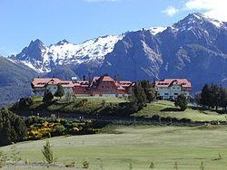 El Hotel Llao Llao en San Carlos de Bariloche, uno de los destinos turísticos más visitados de toda la Patagonia.
