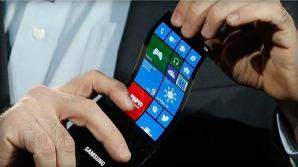 samsung-lg-cristal-telefono-curvo-android.jpg.pagespeed.ic.V7aJA51FPb