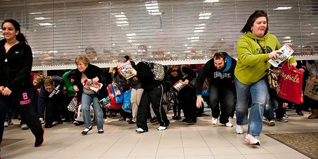 black-friday-shopping-620km111612-1363291018