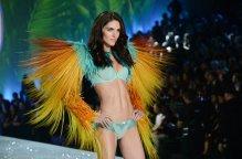 Hilary-Rhoda-en-el-desfile-de-_54394085293_53389389549_600_396