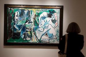 El cuadro 'El pintor y su modelo en un paisaje' del pintor malagueño Pablo Picasso, el 31 de octubre en la casa de subastas Christie's de Nueva York, el 31 de octubre (AFP |