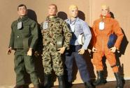 Un año más tarde, los famosos muñecos G.I. Joe, que representan a los soldados estadounidenses, fueron los más demandados por los más pequeños de la casa. Stanley Weston fue quien tuvo la idea de crear estas figuras enfocadas a los niños, que pretendían emular el éxito de Barbie entre las niñas. Y vaya si lo consiguió, ¡hasta se han hecho dos películas de los míticos soldados!