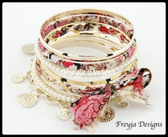 $ 58.00 Fashion Bracelets Diameter: 8.5cm Style: Trendy Metals Type: Zinc Alloy Shape\pattern: Plant Material: Metal
