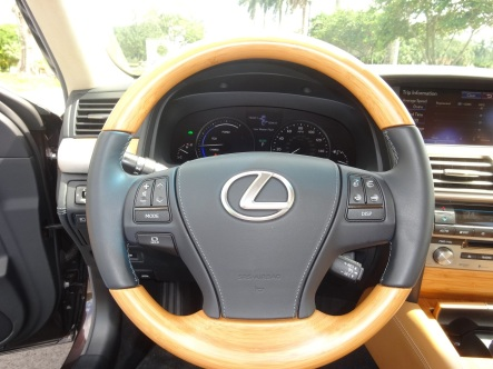 Lexus_600_Foto_Septiembre_2013_8