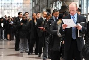 El índice de desempleo se situó en el nivel más bajo desde octubre del 2008, en un mes en que la economía añadió apenas 74 mil empleos nuevos.