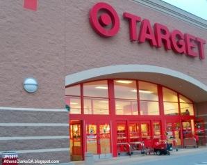 El ataque a los sistemas informativos de Target ocurrió el 27 de noviembre, previo al Día de Acción de Gracias y continúo hasta el pasado 15 de diciembre de 2013.
